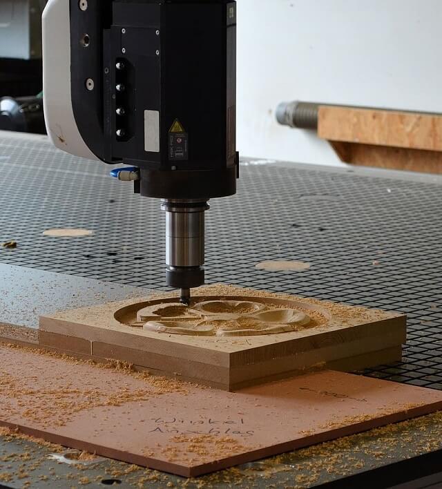 Fresadora para trabajos en madera.