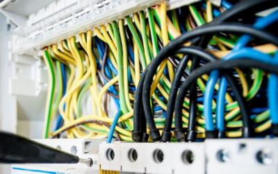 Top herramientas para electricistas profesionales